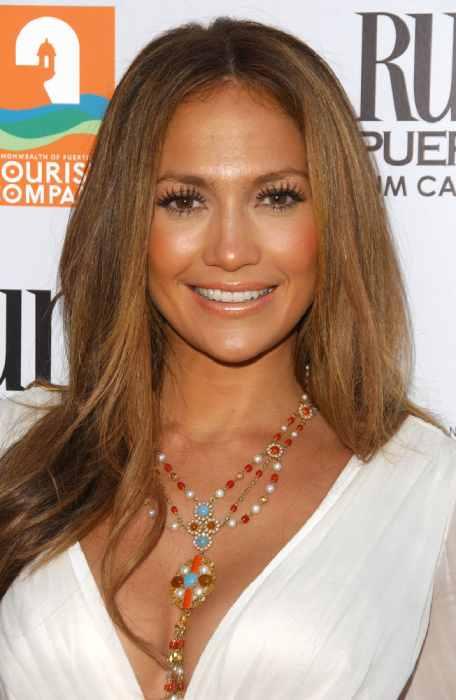 Jennifer Lopez jawline